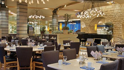 Surround yourself by a contemporary Italian lake setting for an incredible dining experience at Lago Buffet. Lago Buffet features diverse, international breakfast, lunch and dinner buffets daily and Saturday/Sunday brunch buffets. […]
